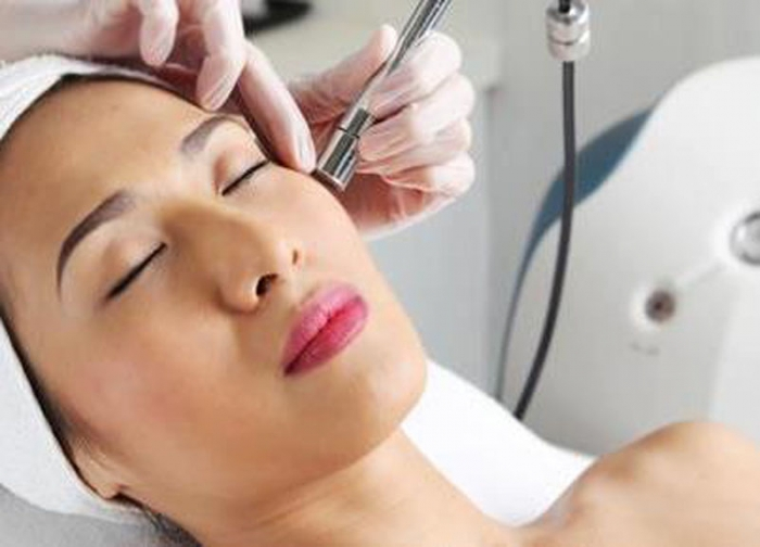 Microdermabrasion treatment Right for You?, microdermabrasion before and after photos, does microdermabrasion hurt, microdermabrasion cost, microdermabrasion results, microdermabrasion how often, microdermabrasion at home, microdermabrasion for acne, microdermabrasion acne scars,