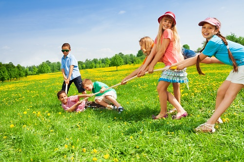 http://www.womenfitnessmag.com/wp-content/uploads/2014/11/Fun-Picnic-Games-for-Kids.jpg