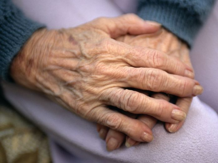 4 in 10 People Will Suffer Arthritic Hands Over Lifetime