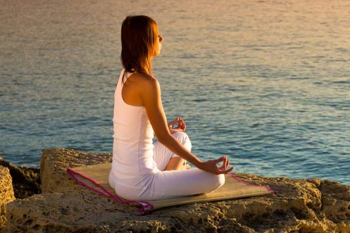 Six tips to experience deep meditation, deep meditation benefits, how to meditate deeply for beginners, very deep meditation, deep meditation guided, signs of deep meditation, what does deep meditation feel like, what happens in deep meditation, meditation experiences stories,