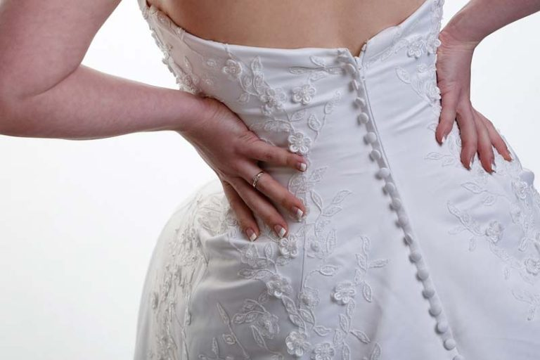 5 Pounds Between You And Your Wedding Gown, when should i get my wedding dress fitted, wedding dress too small can it be altered, wedding dress hem length, wedding dress fitting timeline, how to alter a wedding dress bust, how to alter a wedding dress yourself, should my wedding dress touch the floor, wedding dress length guide,