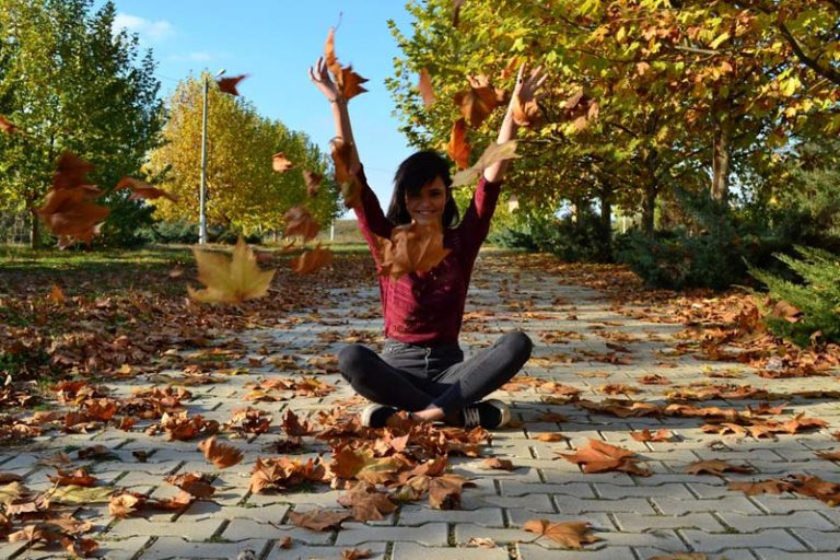6 Ways to Enhance Your Yoga Routine for Fall, autumn yoga themes, autumn equinox yoga sequence, autumn yoga quotes, fall themed yoga, yin yoga sequence for fall, yin yoga sequence for winter, yoga class themes for fall, yin yoga lung and large intestine,