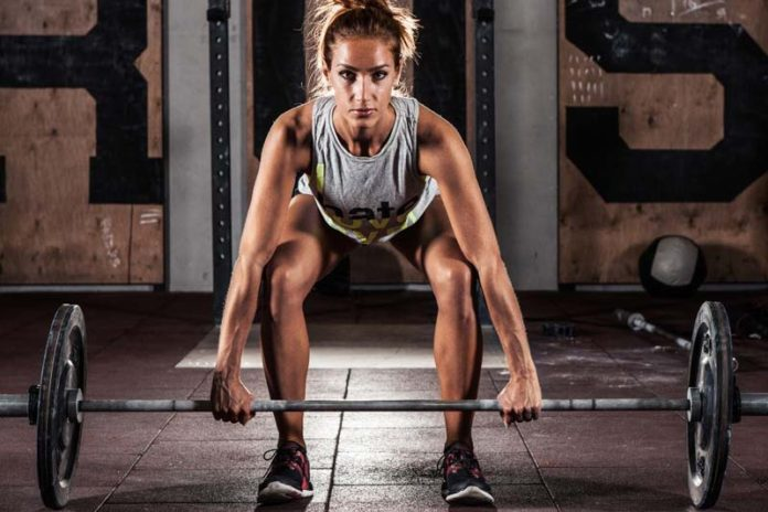 6 tips to prevent weight lifting injuries women fitness magazine