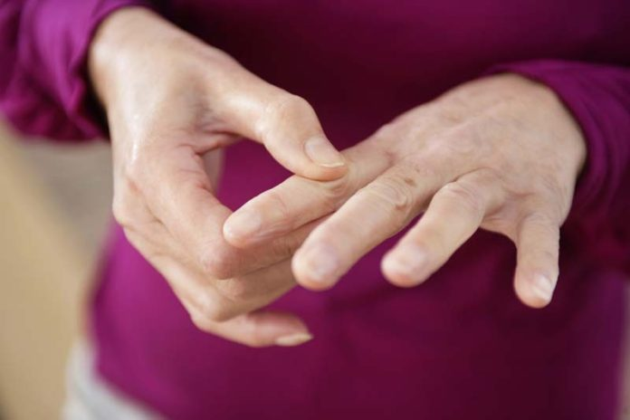 Managing Your Arthritis During the Cold Winter Months, arthritis and humid weather, barometric pressure and arthritis pain, best weather for arthritis, cold weather and arthritis symptoms, cold weather joint pain, does cold weather cause arthritis, osteoarthritis cold weather, rheumatoid arthritis cold weather,