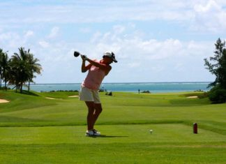What to Wear Golfing Female, what to wear golfing if you don't have golf clothes, golf course attire for spectators, what to wear golfing for the first time, golf attire for beginners, what shoes to wear golfing, what to wear to a golf outing woman, golf leggings, difference between golf and tennis skirt,