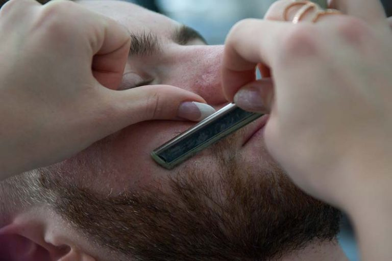 How to Trim a Beard of Your Boyfriend Easily, how to trim a beard with clippers, how to trim a beard with scissors, how to trim a beard for the first time, how to trim a short beard, how to trim a long beard, trim beard styles, how to trim a beard youtube, how to trim your beard with a trimmer,