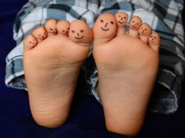 The Importance of Knowing Your Foot Arch Type, normal arch foot, high arch foot problems, low arch foot, arched feet vs flat feet, how to tell if you have flat feet or high arches, normal arch running shoes, do i have flat feet quiz, foot arch pain,
