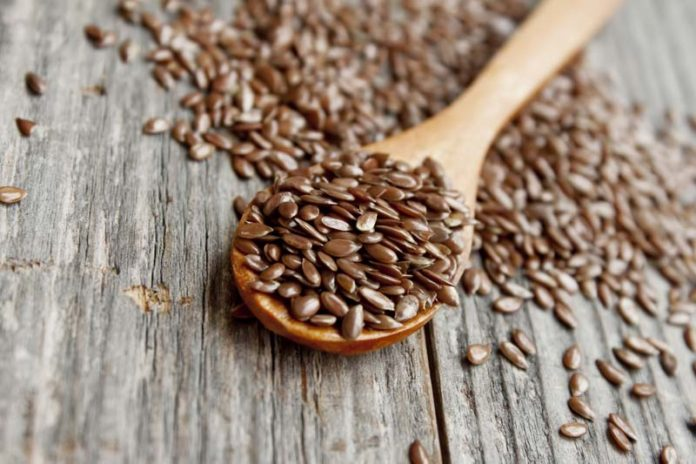 8 Incredible Health Benefits of Flaxseeds Everyone Should Know About, flax seeds benefits for hair, flax seeds weight loss, how to eat flax seeds, how to use flax seeds, flax seeds side effects, benefits of seeds,