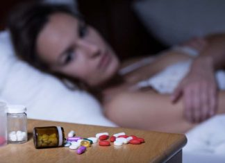 Is the habit of taking sleeping pills before bed a good practice?, how long do sleeping pills take to kick in, how long do sleeping pills last, how fast do sleeping pills work, what sleeping pills are not addictive, how many mg of sleeping pills is safe, when to take sleeping pills before bed, what happens if you take 10 sleeping pills, sleeping pills side effects,