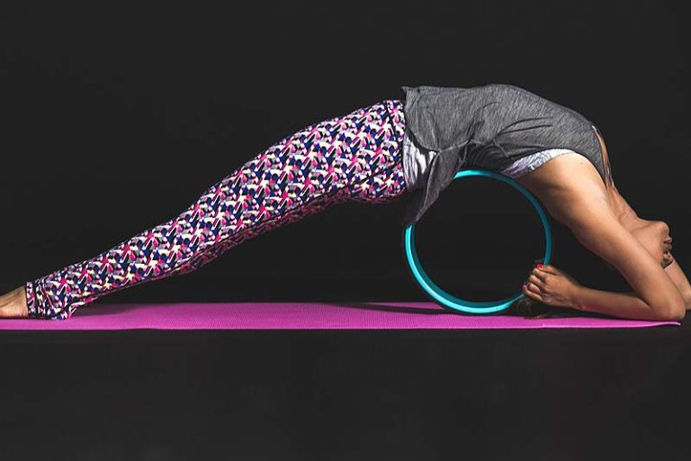 6 Hot Yoga Essentials You Must Have, yoga essentials kit, yoga essentials for beginners, yoga essentials beginners yoga kit, yoga essentials india, yoga supplies for beginners, yoga essentials class, must have yoga accessories, necessities for hot yoga,