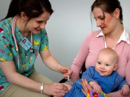Vaccinations and baby care, how to soothe baby after shots, how long does vaccination pain last in babies, baby crying after vaccination, baby crying after 2 month vaccinations, baby crying uncontrollably after vaccination, leg pain after vaccination, swelling after vaccination baby, dpt vaccine pain relief,