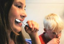 10 Fun Things You Can Do While Brushing Your Teeth
