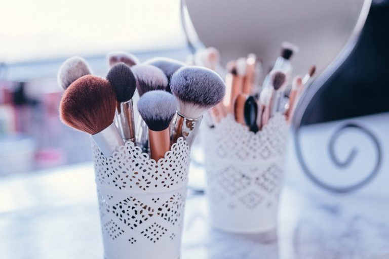 A How-to Use Guide on Different Types of Makeup Brushes