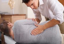 Back Pain Chiropractor & 12 Signs That You Need One