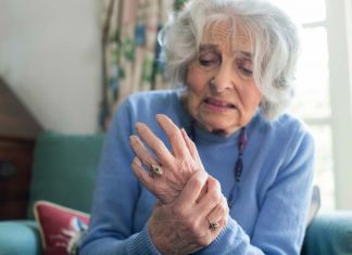 Parkinson's disease main signs : how to recognize it?