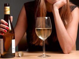 6 Ways to Convince an Alcoholic That Things Have Gone Too Far