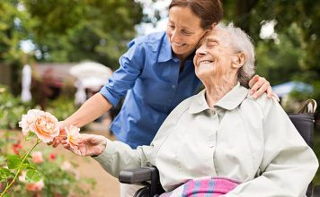 Choosing Between Nursing Homes and Assisted Living