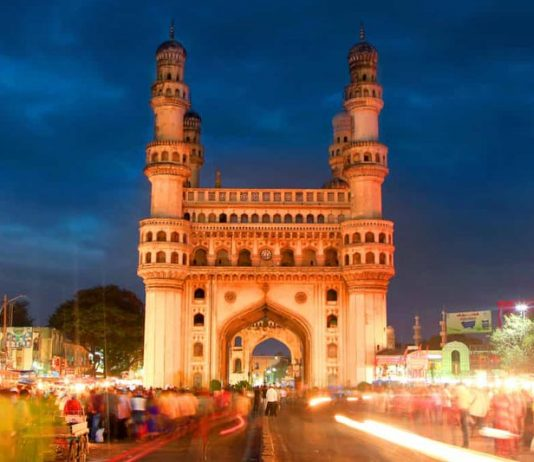 A first-timer tourist's guide to all the information regarding Hyderabad