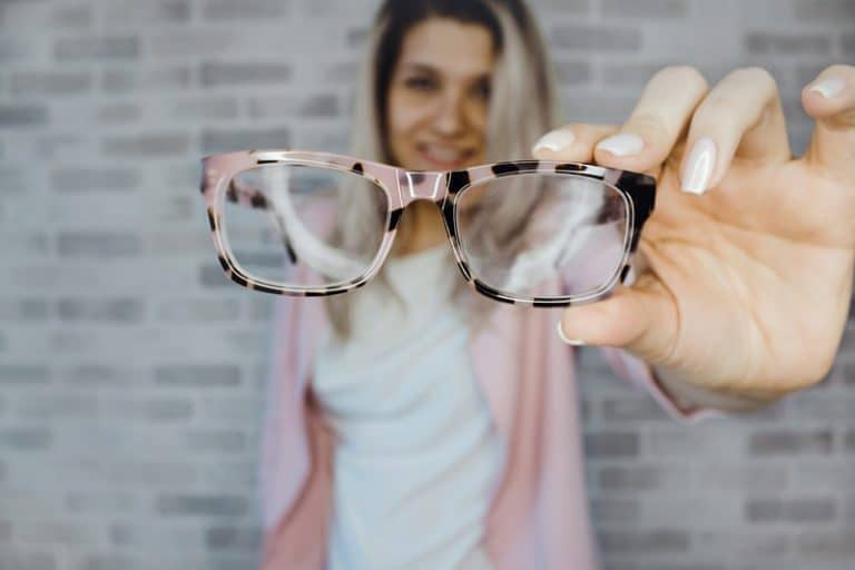 How To Never Wear Eyeglasses Or Contacts Again