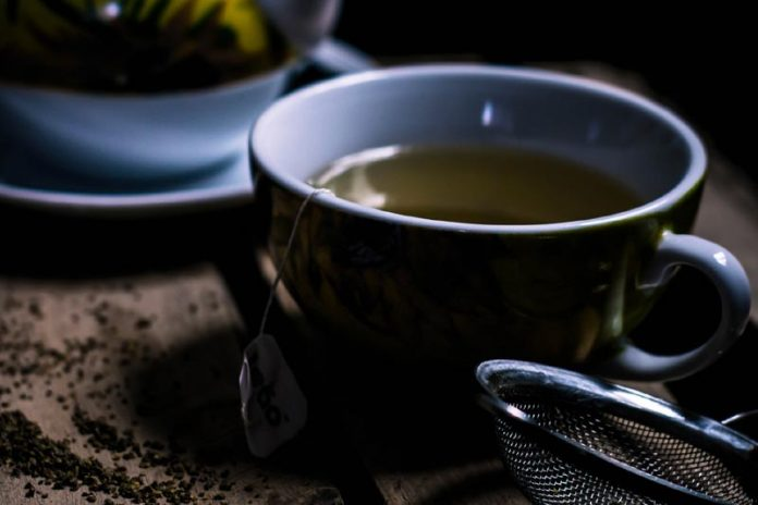 5 Reasons Green Tea Should Be on Your Daily Schedule During the Summer