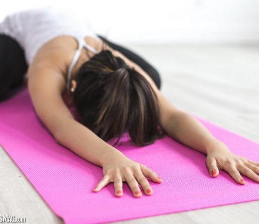How Yoga Helps You De-stress and Find Your Centre
