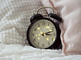 All the Pros & Cons of Sleep Monitoring Devices You Should Know