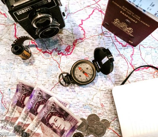 Top 8 Ways To Save Money While Travelling