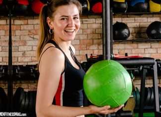 Why You Should Smile and Laugh While Doing Workouts